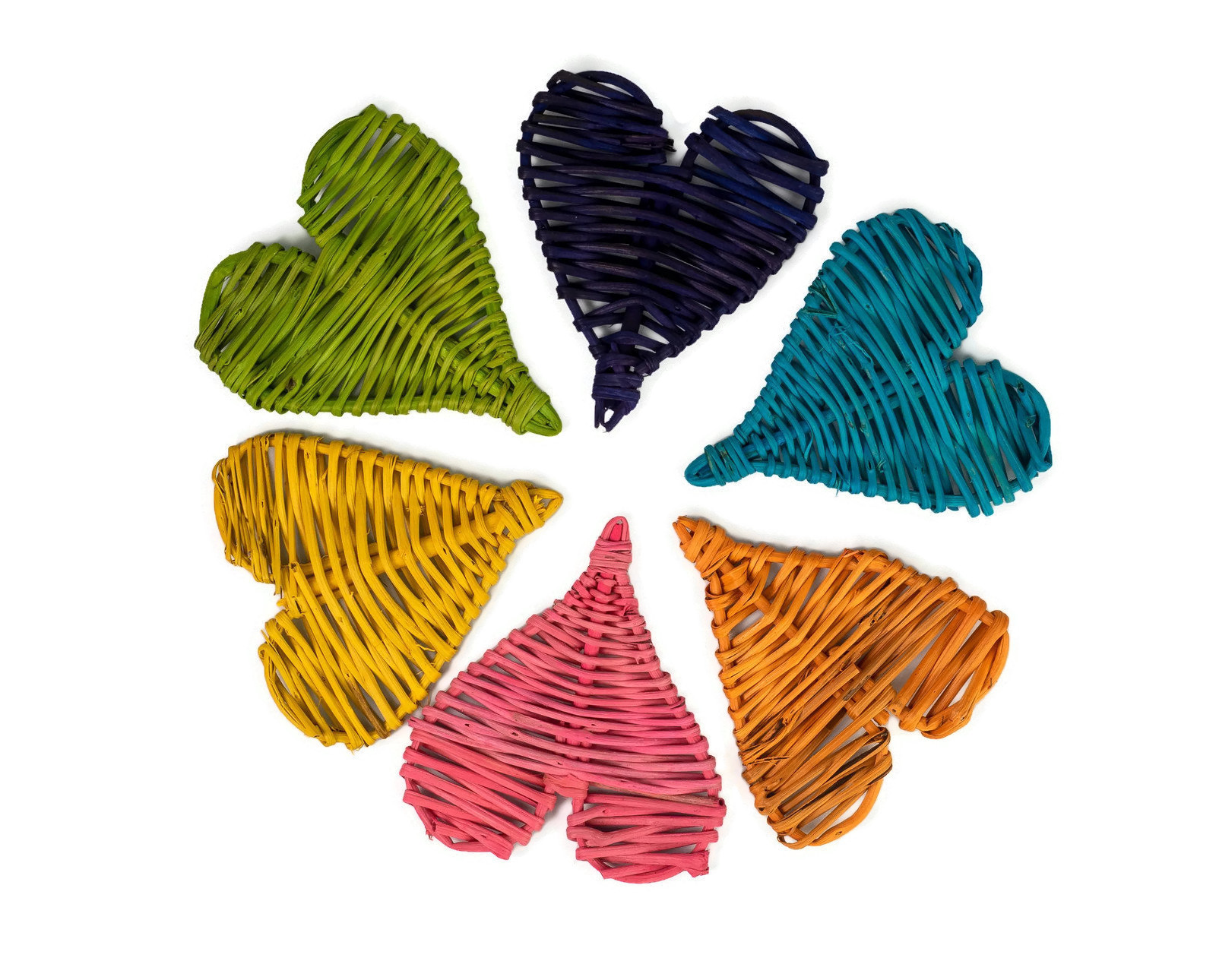 Set of 6 Colorful Vine Hearts - Chew Toy for Guinea Pigs, Bunny Rabbits, Rats and Chinchillas